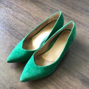 Green suede vionic Josie kitten heels